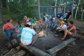 <p>Connect with the environment in <i>Waldsee's Grüne Welle </i>Adventure Program! Learn the names of the plants and animals you encounter, tell campfire stories, and even go on an overnight <i>Kanureise </i>(canoe trip)—all while learning and speaking German!</p>